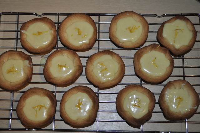 2014-04-19 Lemon and white chocolate tartlets