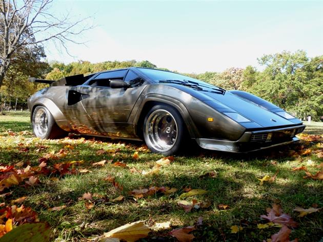 Lamborghini-Countach-Built-In-Mans-Basement-14