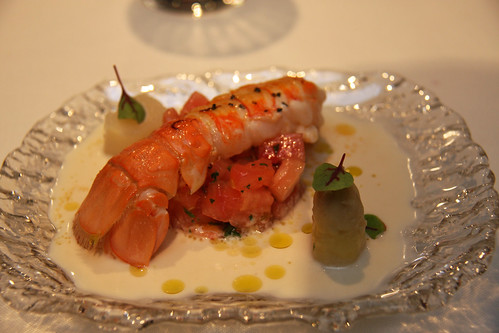 White garlic from Malaga, with white asparagus, a Norwegian lobster tail, and tomato tartare
