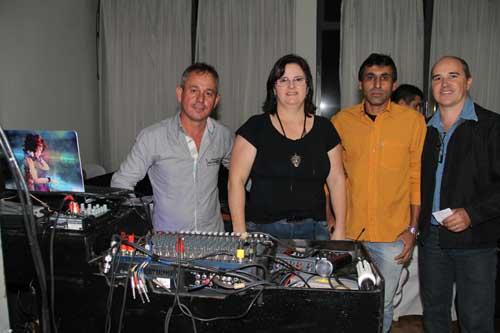Silvair e seus Vinis promove baile no Morada do Sol ao som dos anos 80