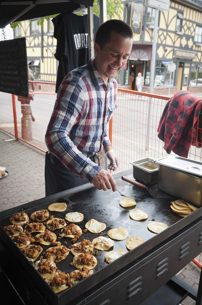 Norte Street Food flipping tortillas