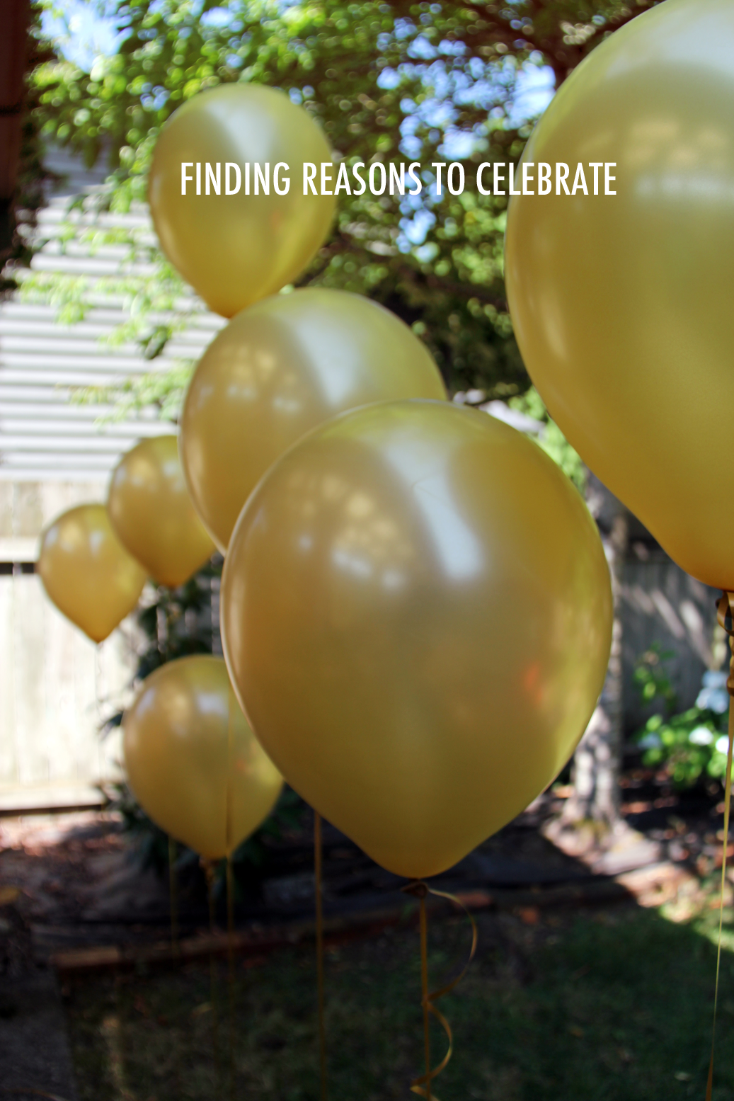 gold balloons, summer entertaining, summer love, summer backyard party ideas