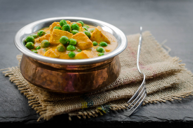 indian classics - paneer muttar/ matar (indian spiced green peas and paneer curry)