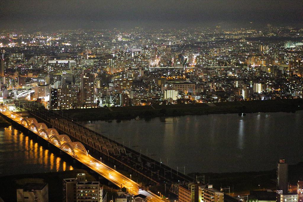 Oyodonaka 1 Chome, Osaka-shi, Kita-ku, Osaka Prefecture, Japan, 0.008 sec (1/125), f/2.0, 85 mm, EF85mm f/1.8 USM