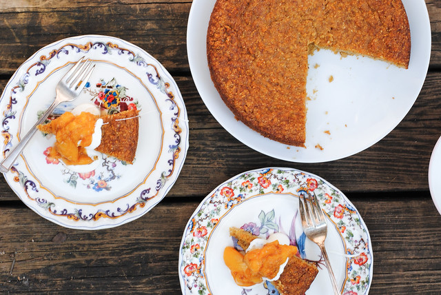 Almond and Cornmeal Cake