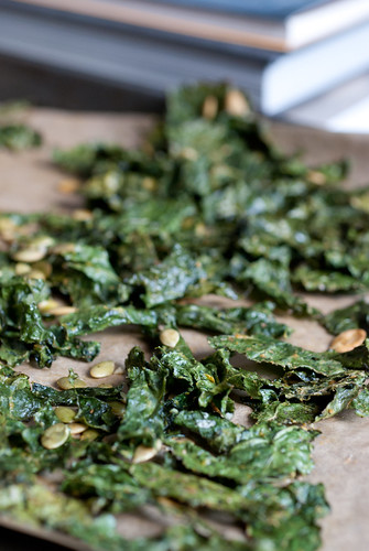 kale chips with roasted pepitas
