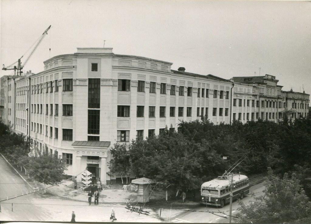 66_1_Авиационный институт на Самарской улице_арх Носиин Б.А