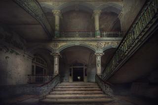 Sanatorium  ( explore )