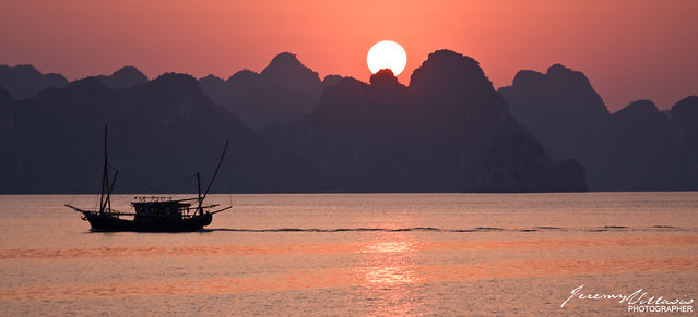 365.341/ Ha Long Bay Sunset