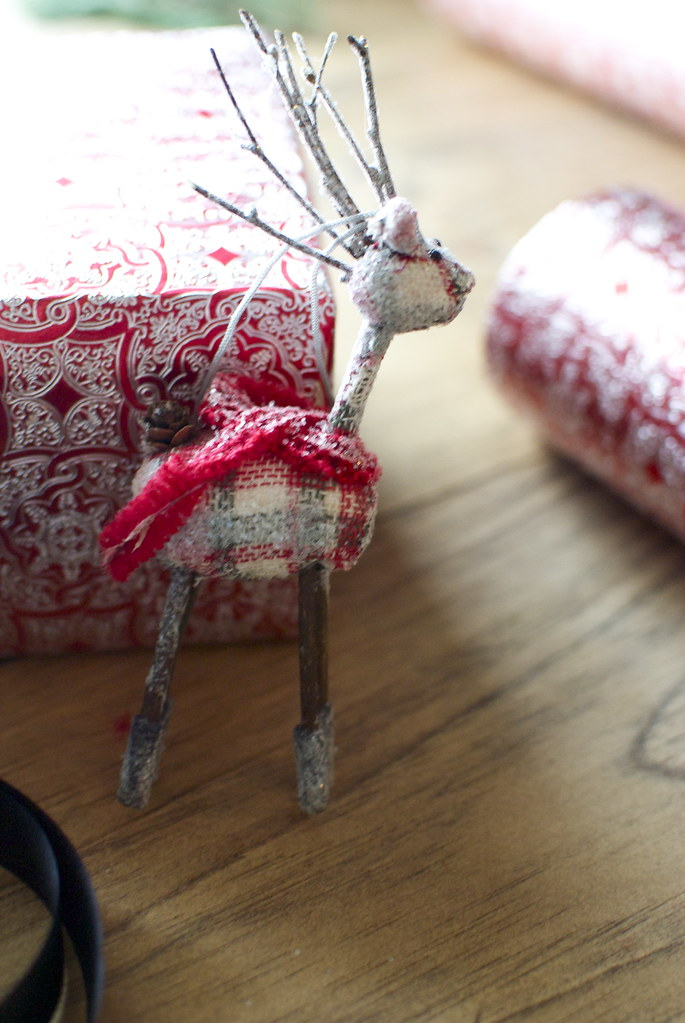 cute holiday gift wrap ideas, wrapping paper