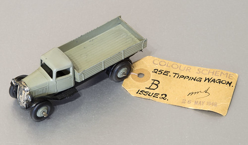 Dinky Toys No 25e Tipping Wagon Paint Sample