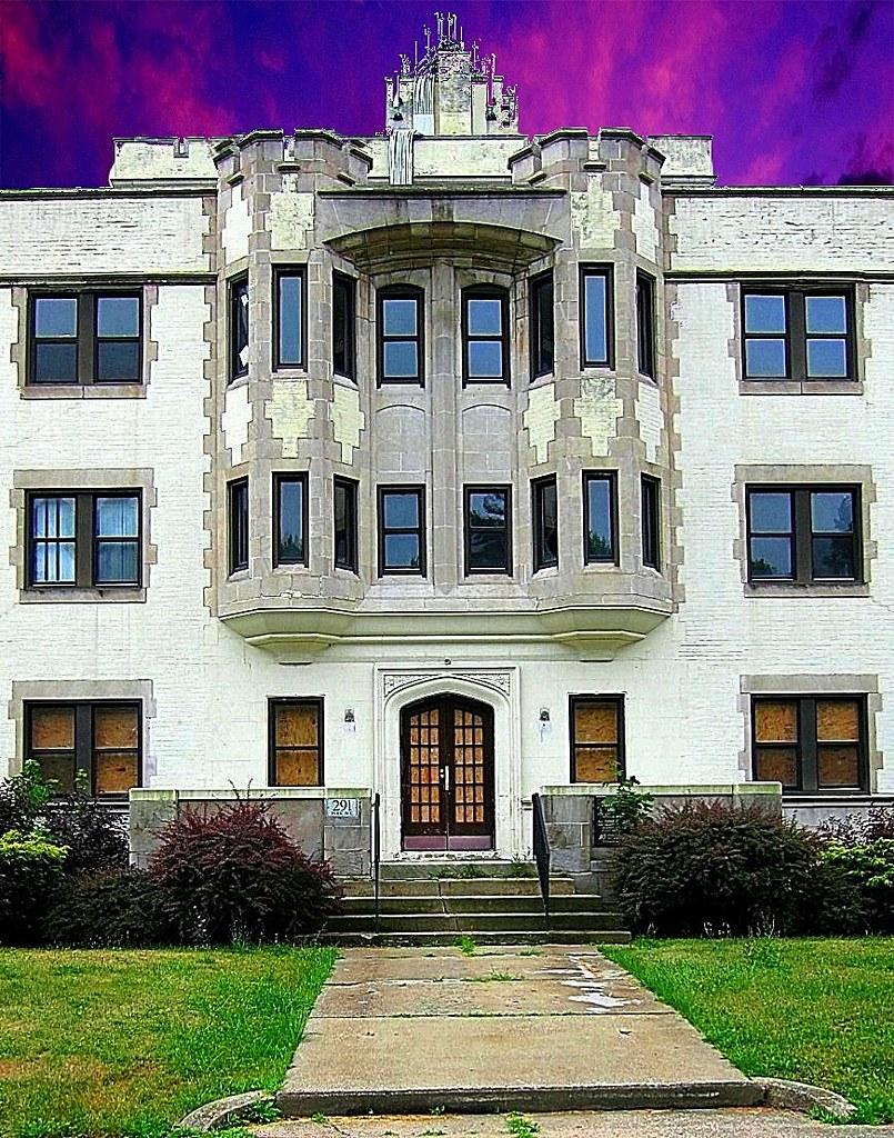 Hotels Near Youngstown University Ohio