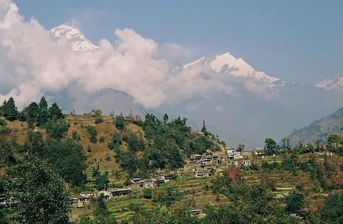 nepal mountain 2004 clouds analog trekking trek landscape village peak round himalaya annapurna annapurnas shikha canoneos300 himal tukuche dhaulagiri sikha dhawalagiri sauta