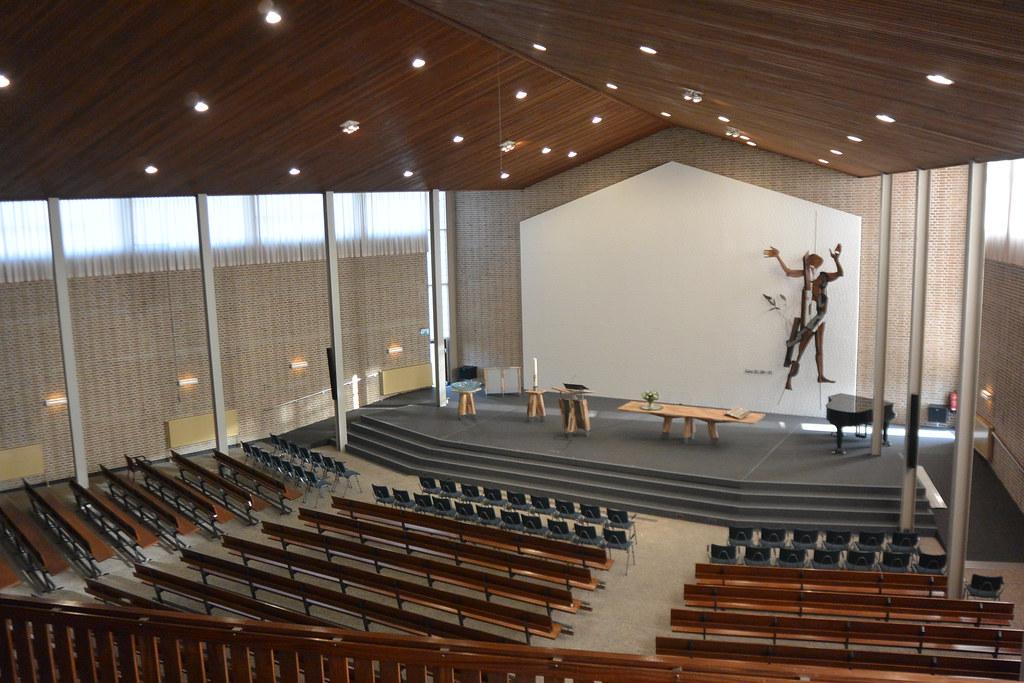 Kerk PKN Surhuisterveen