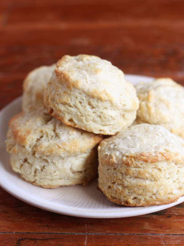 Easy Buttermilk Biscuits from completelydelicious.com