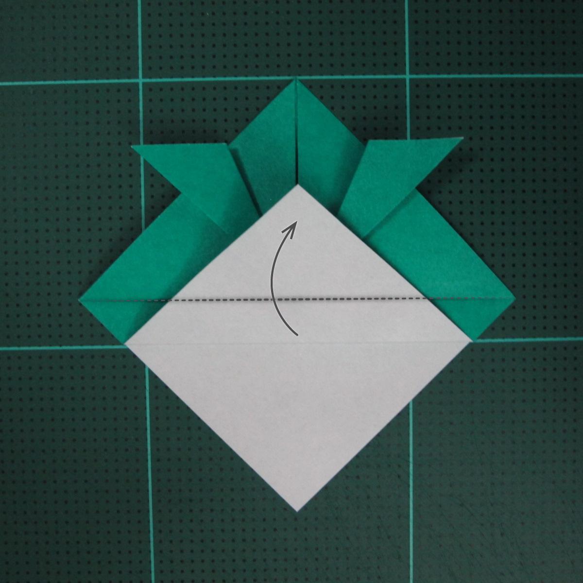 วิธีพับกระดาษเป็นรูปหมวกซามุไร (Origami Samurai Hat) 007