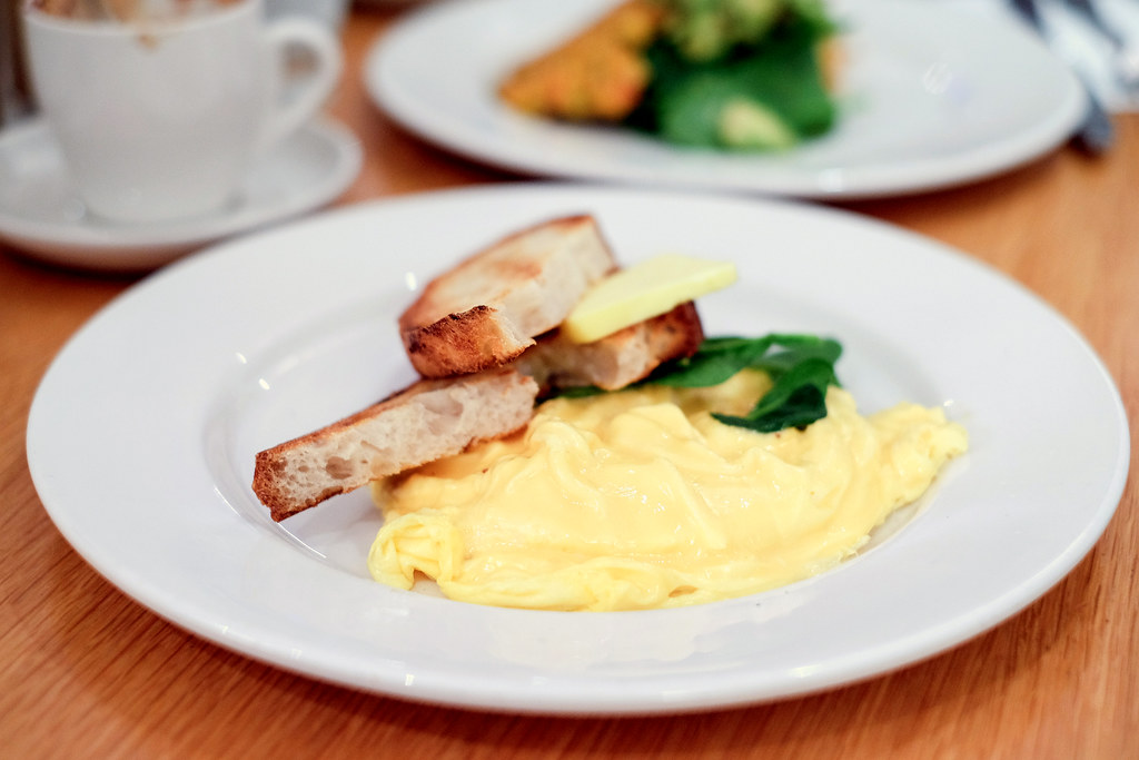 Darlinghurst Cafes: Bill's best scrambled eggs in the world