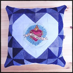{Te Amo Mucho} :heart:️ heart-shape cushion made of recycled denim :blue_heart::recycle: