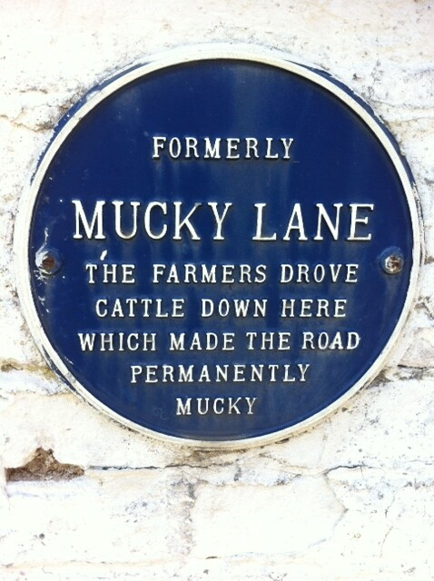 Photo of Mucky Lane blue plaque