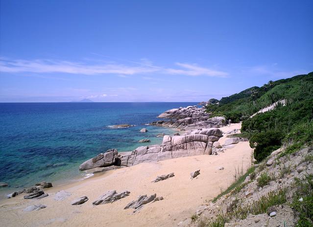 YAKU island of the summer day