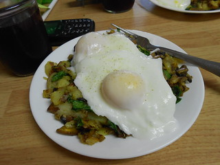 Yummy Pached eggs and veggiew (3)
