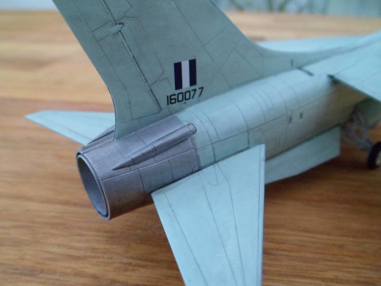 Un géant vert redoutable [Vought F-8 P Crusader Academy 1/72] 9558935222_74afa1c1bb_o