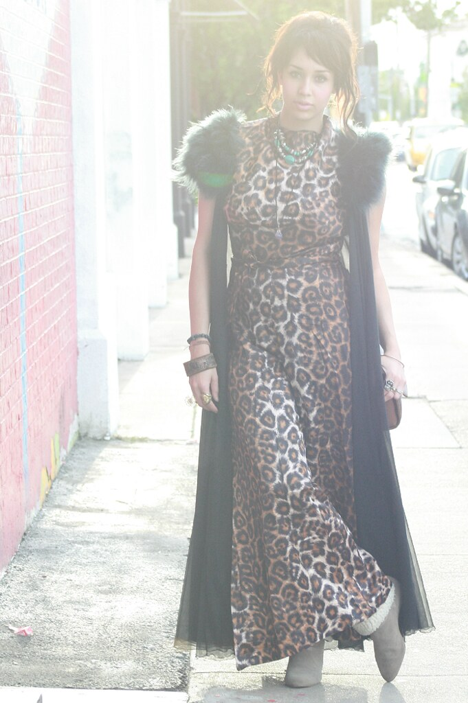 leopard print, vintage clothing, pilazzo pants, jumpsuit, vintage girl, houston style, leopard lounge, leopard lounge houston, roar, katy perry, montrose in houston, houston shopping, retro girl, vintage style, retro fashion, retro style, wardrobe stylist, fashion stylist, curvy fashion