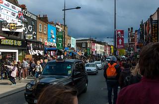 Camden High Street et ses boutiques aux façades décorées !