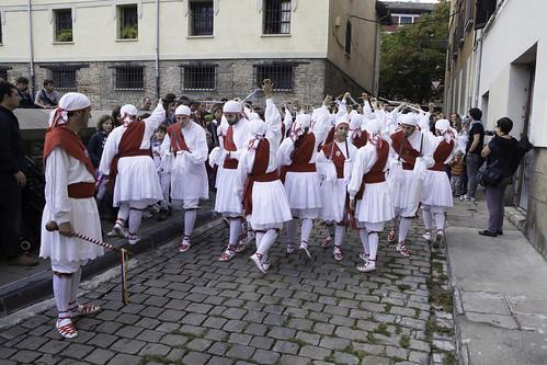2013-09-28_Irunea-ezpata-dantza_0311_IZ