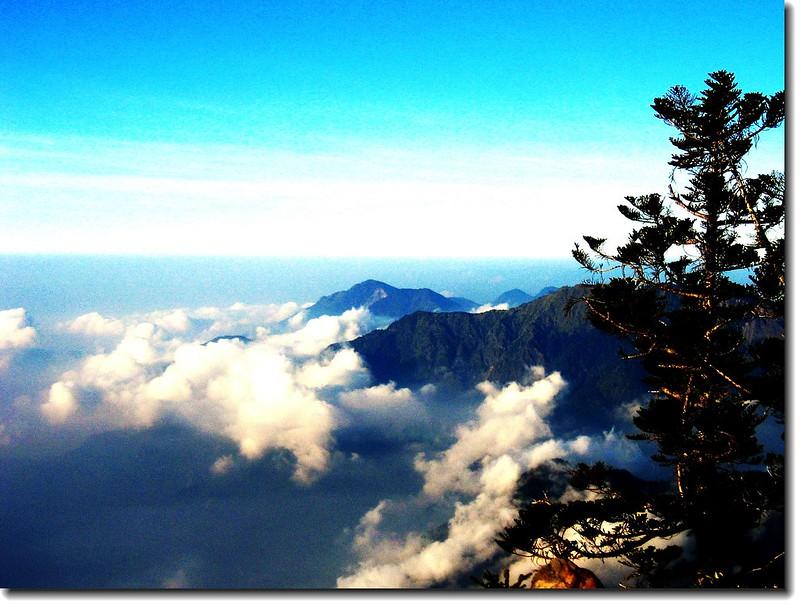 玉山西峰觀雲海