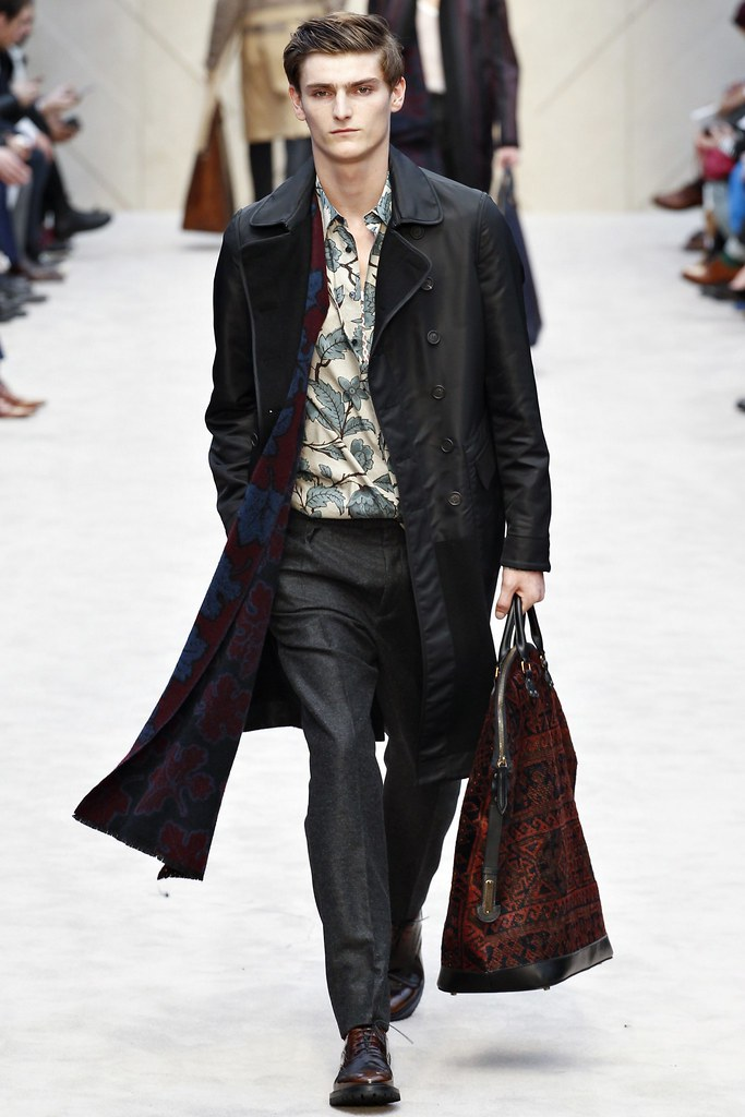 FW14 London Burberry Prorsum038_Alexander Beck(VOGUE)