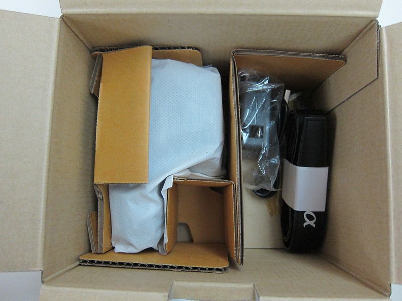 Sony NEX-3N - Box Open