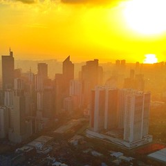 Makati Skyline Sunset view at 71 Gramercy #TumiAsia