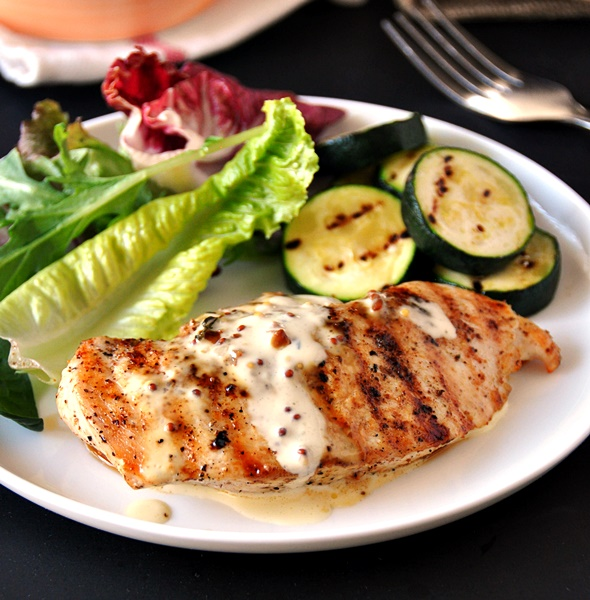 [Recipe] Grilled Chicken with Garlic, Mustard & Thyme Cream Sauce | www.fussfreecooking.com