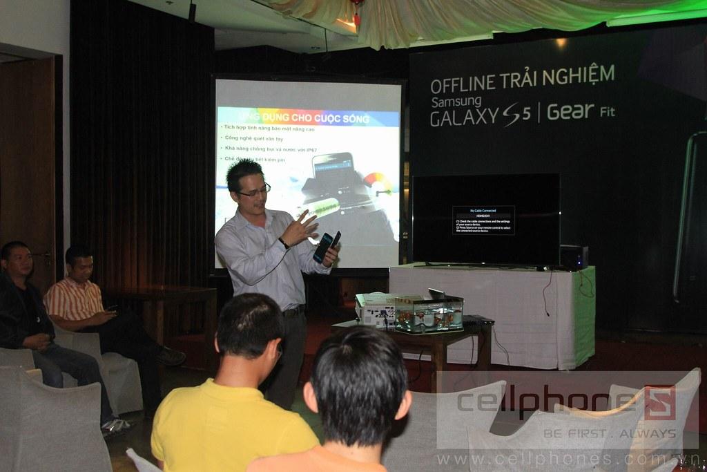 Sforum - Trang thông tin công nghệ mới nhất 13300828805_ea366a7df2_b Hình ảnh buổi Offline: Trải nghiệm Galaxy S5