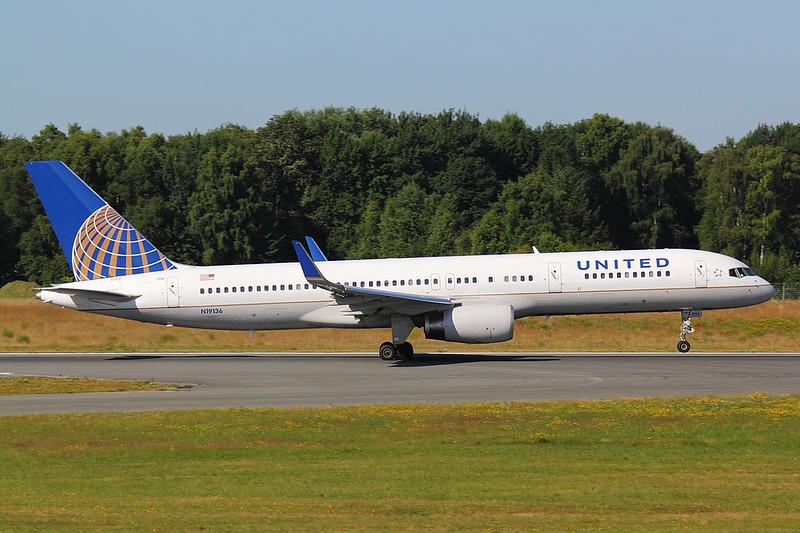 United - B752 - N19136 (3)