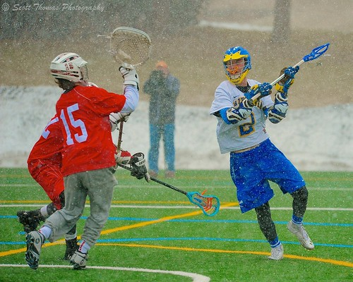 blue red white snow playing college sports boys weather spring sticks goalie nikon bees attack safety highschool falling varsity players lacrosse lakers turf helmets baldwinsville cazenovia sectioniii d700 afvrzoomnikkor80400mmf4556ded scottthomasphotography
