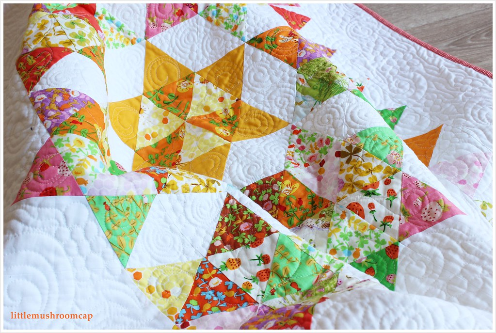Quilt Briar Rose Starry Diamond Equilateral Triangle by littlemushroomcap