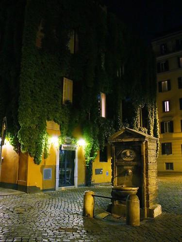 Fontana a Borgo Pio