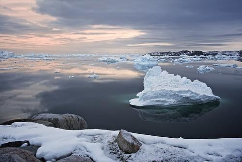morning snow reflection ice rock landscape shoreline greenland fjord iceberg fiord afszoomnikkor2470mmf28ged ilulisat