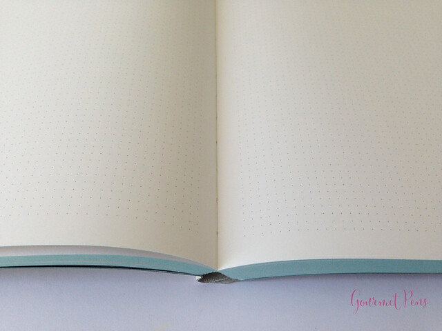 Review Nuuna Glow In The Dark Graphic Notebook @BureauDirect (14)