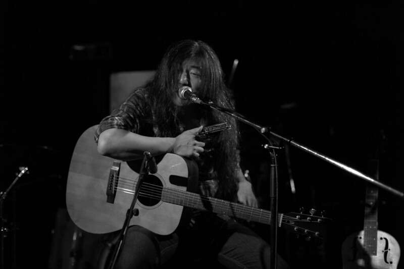 O.E. Gallagher solo live at Adm, Tokyo, 01 Jun 2013. L104