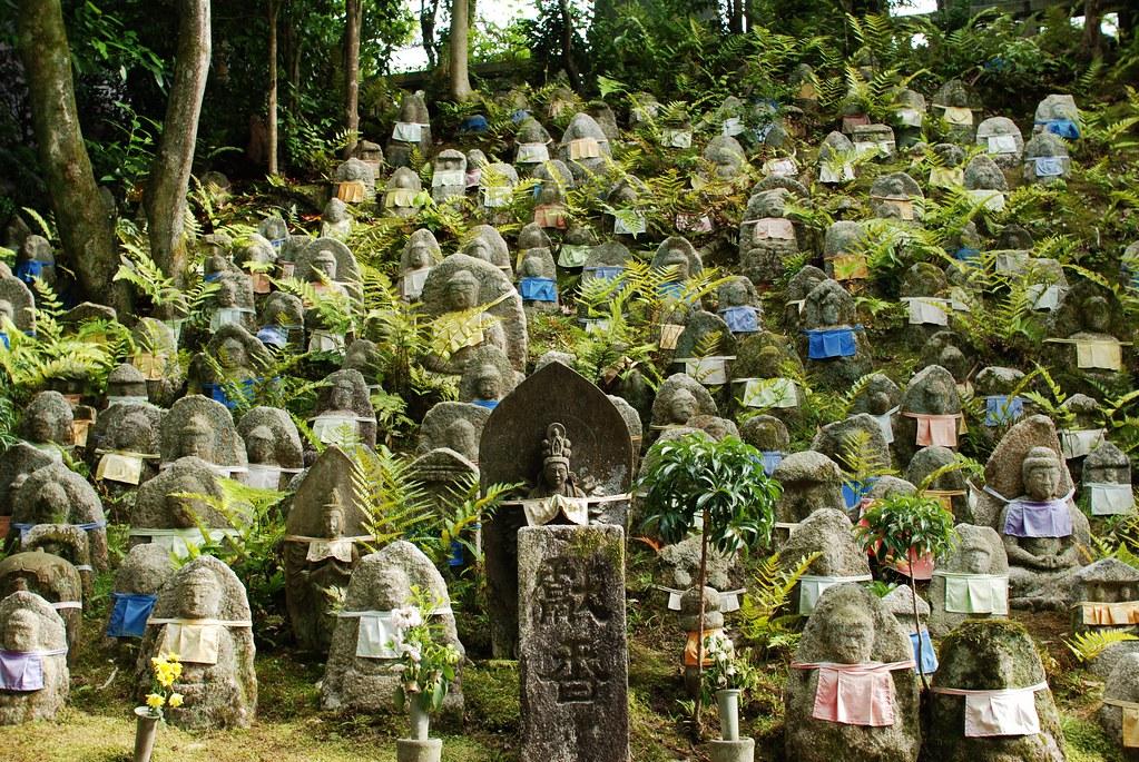 京都清水寺「千体石仏群」