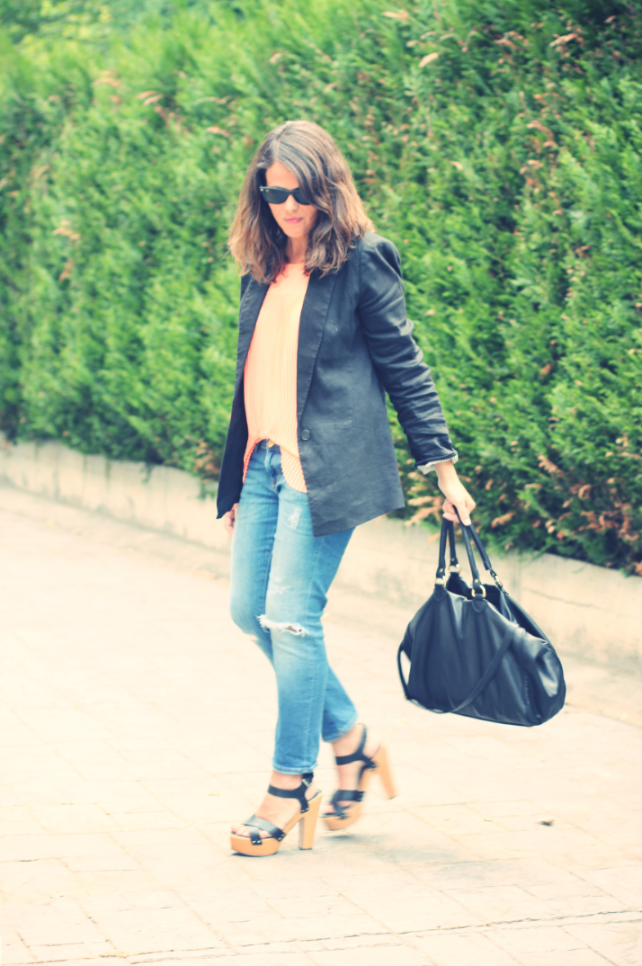 Look orange shirt + black blazer - Monicositas