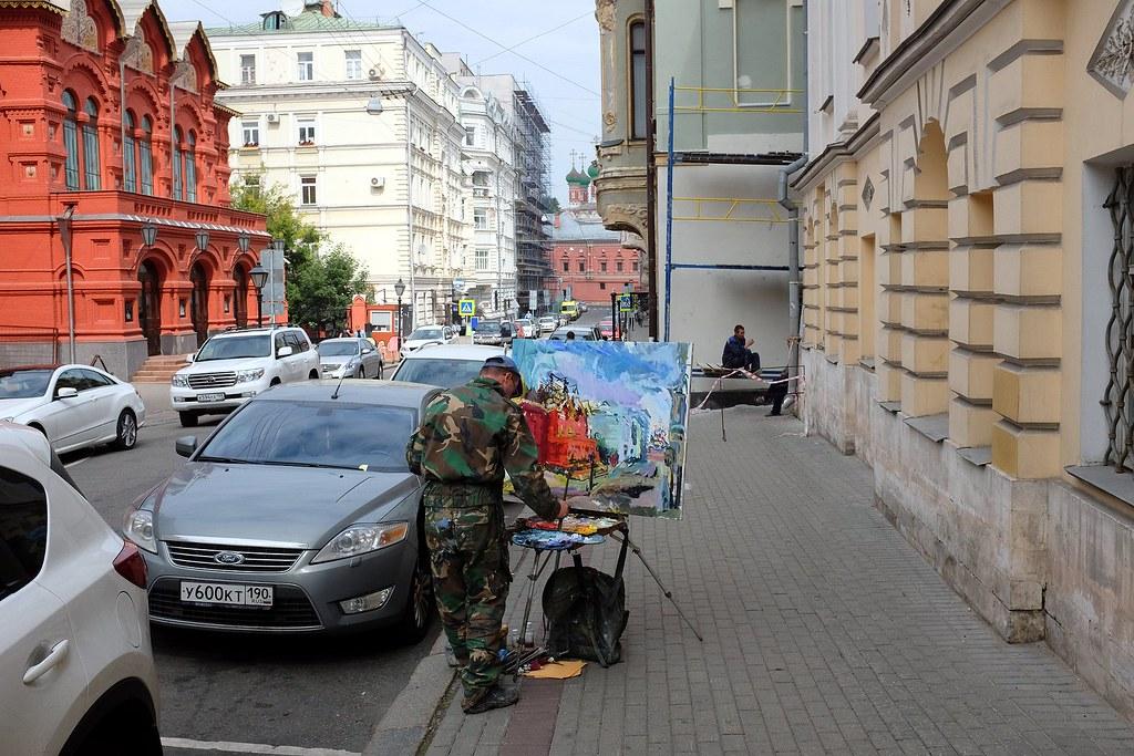 Street artist, Petrovsky Lane, Moscow