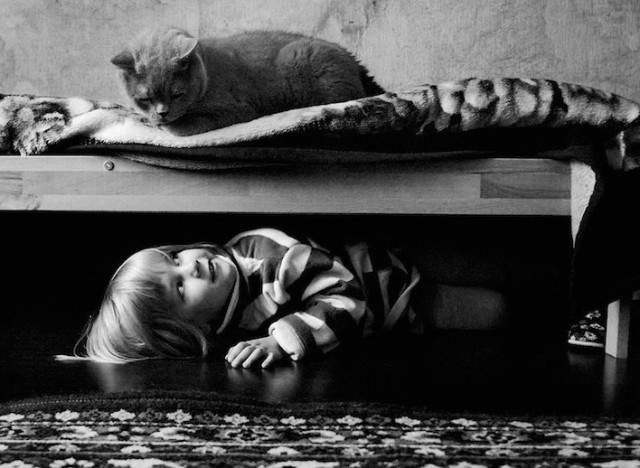 Friendship-Between-a-Girl-and-Her-Cat20-640x468