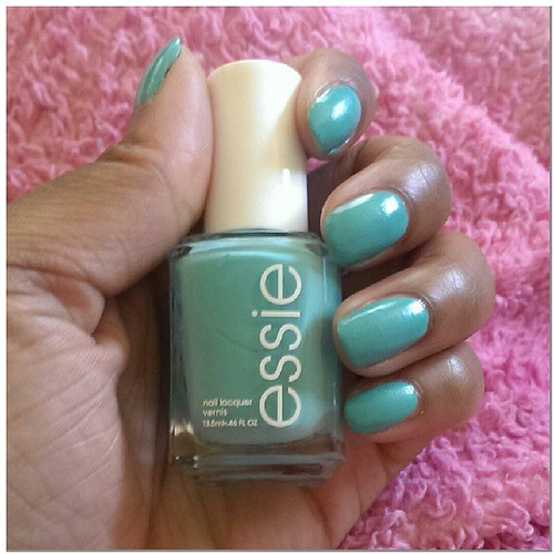 Loving this color!! Essie Where's My Chauffeur #notd #nailpolishjunkie #nailpolishaddict #essie #wheresmychauffer #mani