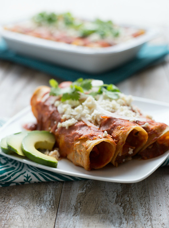 Best Ever Chicken Enchiladas www.pineappleandcoconut.com  (7)