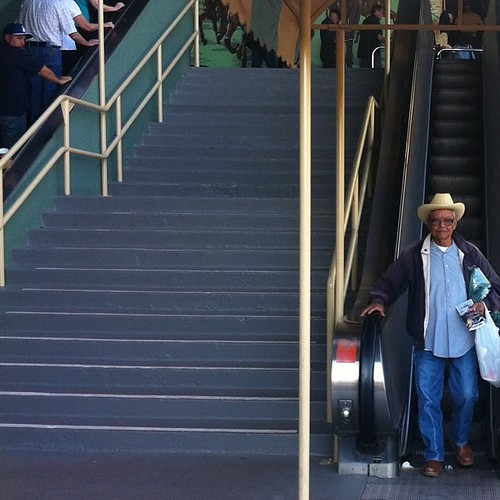 loving the people watching today #cowboy #santaanitapark #abrlive #americasbestracing