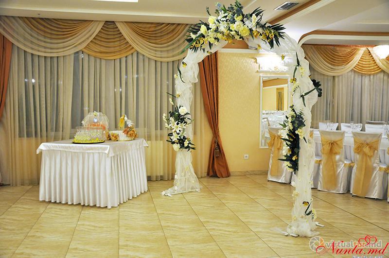 Restaurantul Regal > Foto din galeria `Principala`